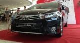 Toyota Altis 1.8 2017 số sàn và tự động