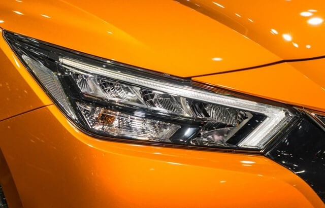 Nissan-Almera-2021-can-canh-den-LED
