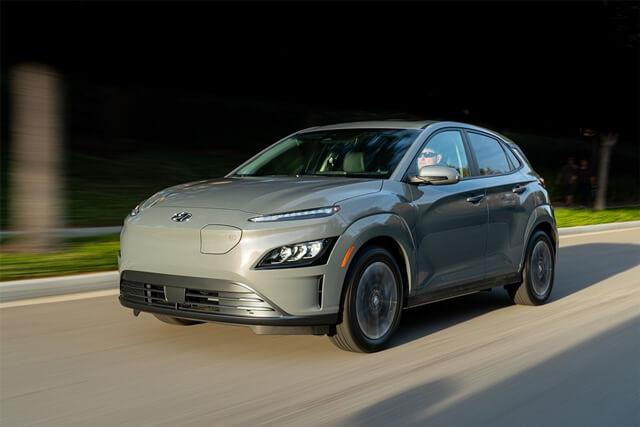 Hyundai-Kona-2022-electric-van-hanh