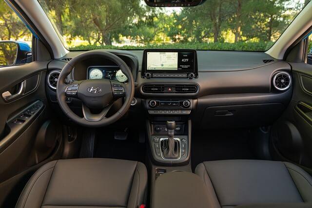 Hyundai-Kona-2022-khoang-lai