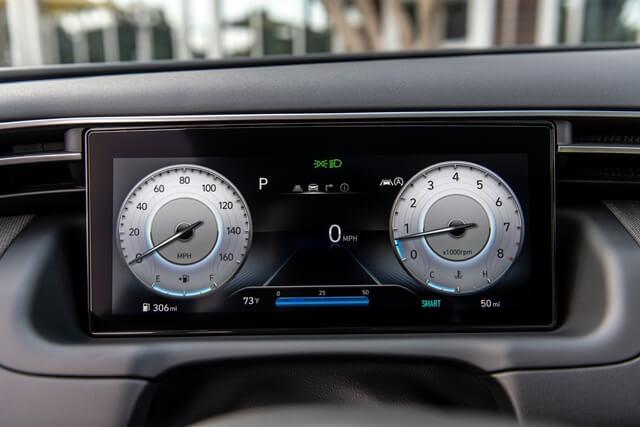 Hyundai-Tucson-2022-dong-ho-ky-thuat-so
