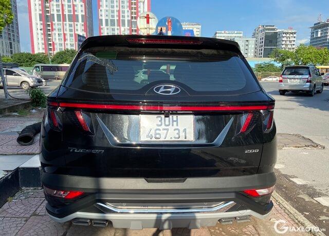 Hyundai-Tucson-2022-duoi-xe