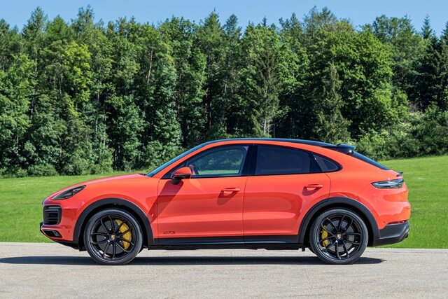 Porsche-cayenne-coupe-2021-phan-than-xe