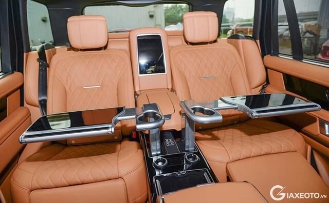 ban-lam-viec-xe-range-rover-svautobiography-lwb