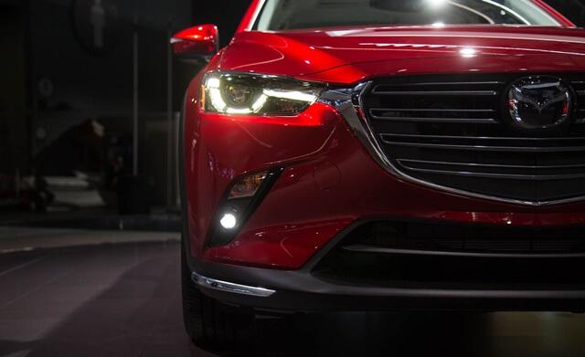 bo-den-truoc-xe-Mazda-CX3