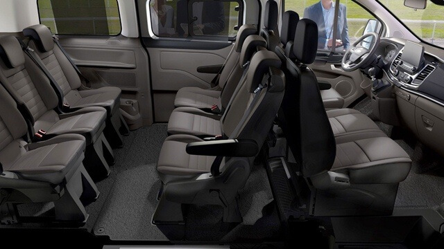 cabin-xe-ford-tourneo