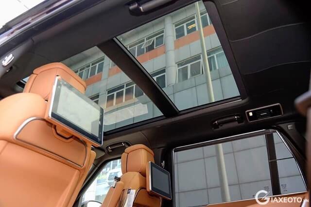 cua-so-troi-xe-range-rover-svautobiography-lwb