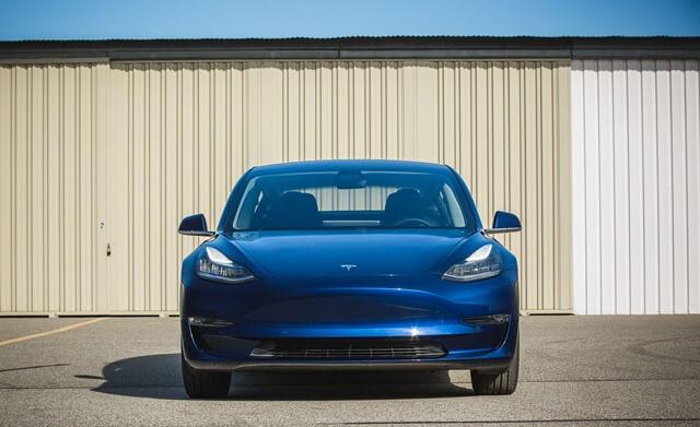dau-xe-Tesla-Model-3-moi