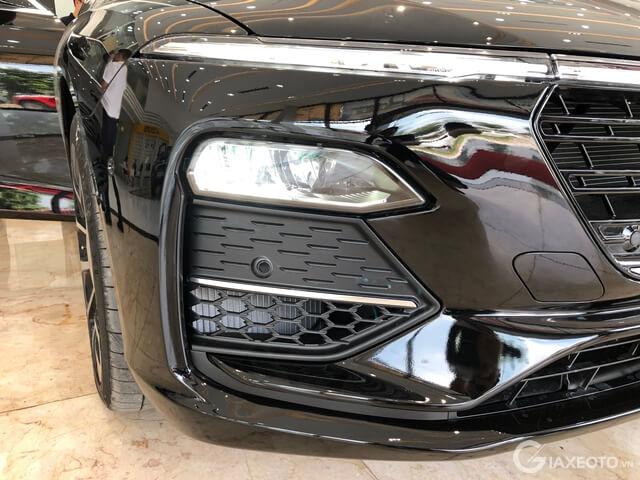 bo-den-truoc-xe-sedan-vinfast-lux-a2_0