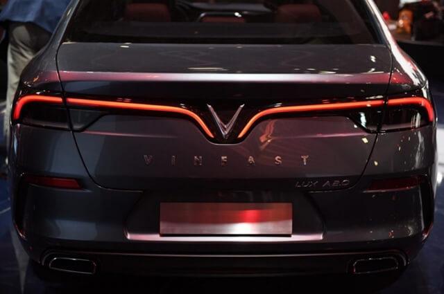 duoi-xe-sedan-vinfast-lux-a2_0
