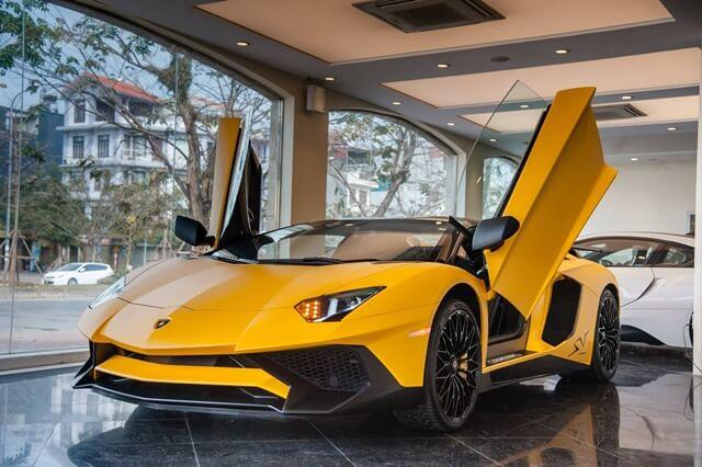 gia-Sieu-xe-Lamborghini-Aventador-SV-roadste