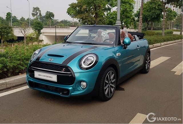 mini Cooper Convertible mui tran