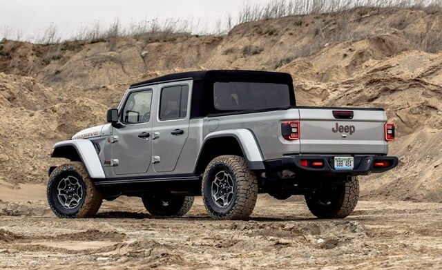 hong-xe-jeep-gladiator