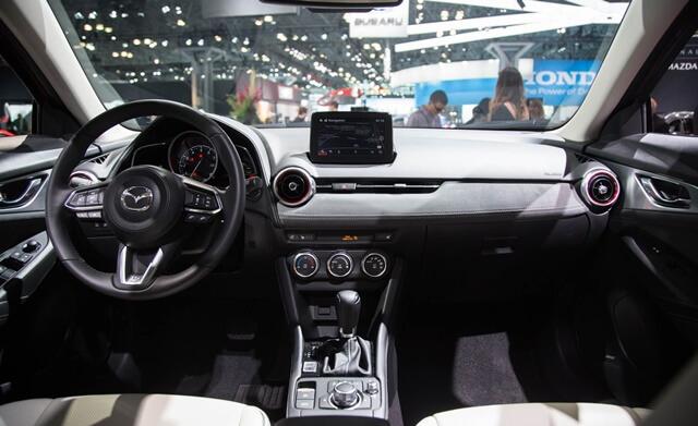 noi-that-khoang-lai-xe-Mazda-CX3