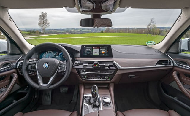 noi-that-xe-BMW-530e-plug-in-hybrid