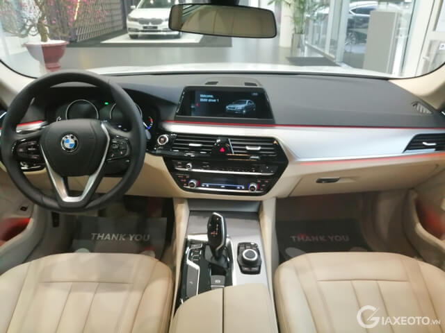 noi-that-xe-bmw-520i-2019
