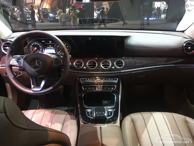 noi-that-xe-mercedes-e250