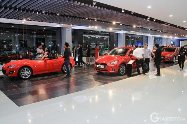 showroom-mazda-tran-khat-chan
