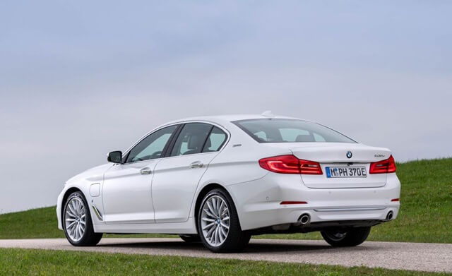 than-xe-BMW-530e-plug-in-hybrid