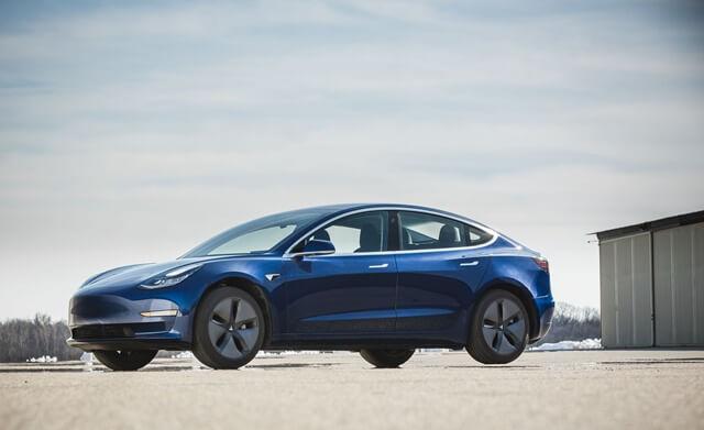 than-xe-Tesla-Model-3