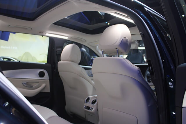 tien-nghi-xe-mercedes-s650