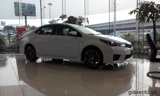 Toyota-Altis-mau-trang-viet-nam