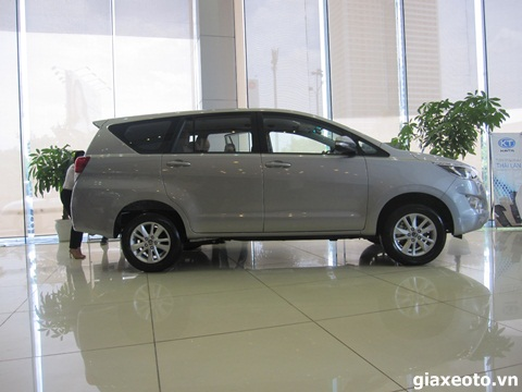 toyota-innova-so-san-the-he-moi