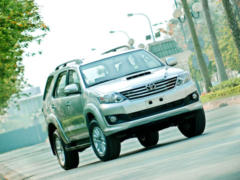toyota_fortuner_ban_chay_nhat