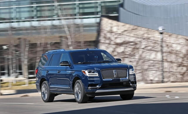 xe-lincoln-navigator-L-4x4-reserve