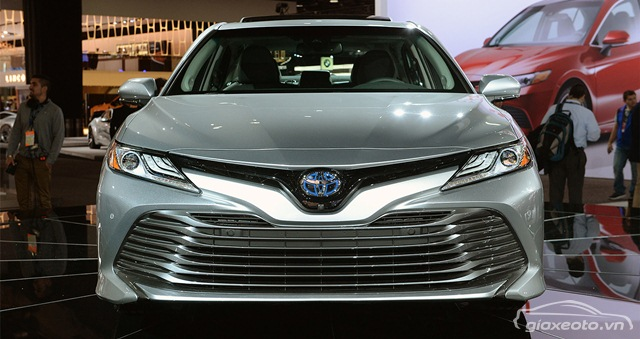 danh-gia-toyota-camry-hybrid-2018