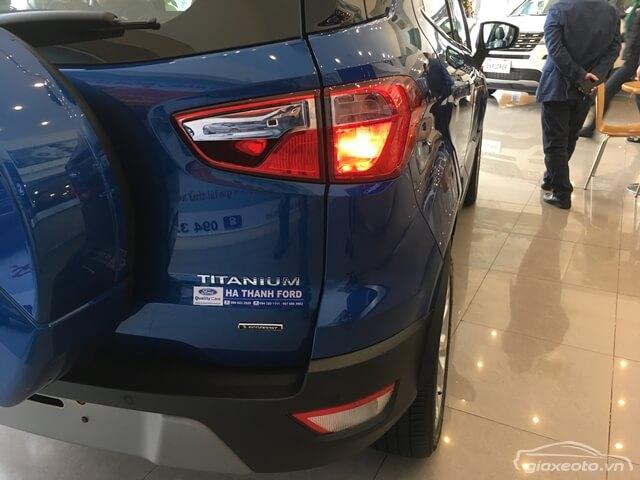 den-sau-xe-ford-ecosport