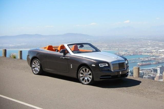 gia-oto-Rolls-Royce-Dawn