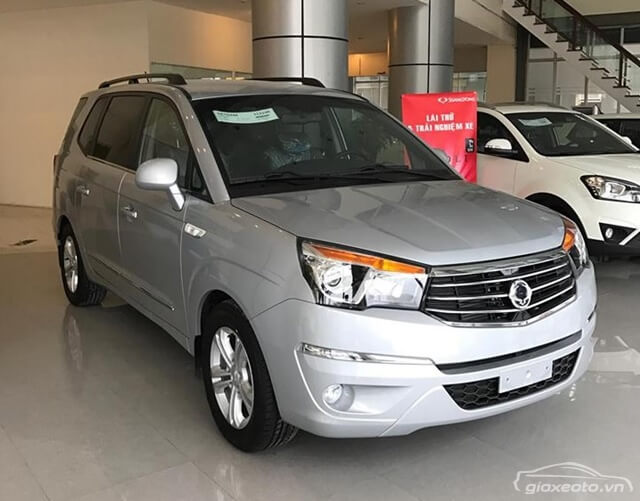 gia-xe-ssangyong-stavic