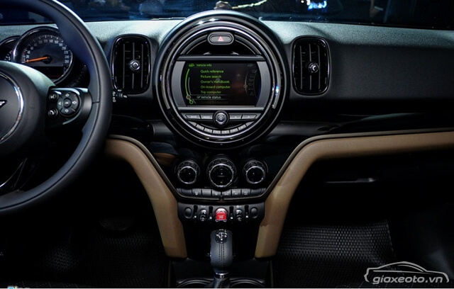 noi-that-khoang-lai-xe-Mini-Cooper-Countryman