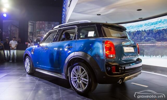 than-va-hong-xe-Mini-Cooper-Countryman