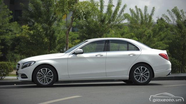 than-xe-Mercedes-benz-C200