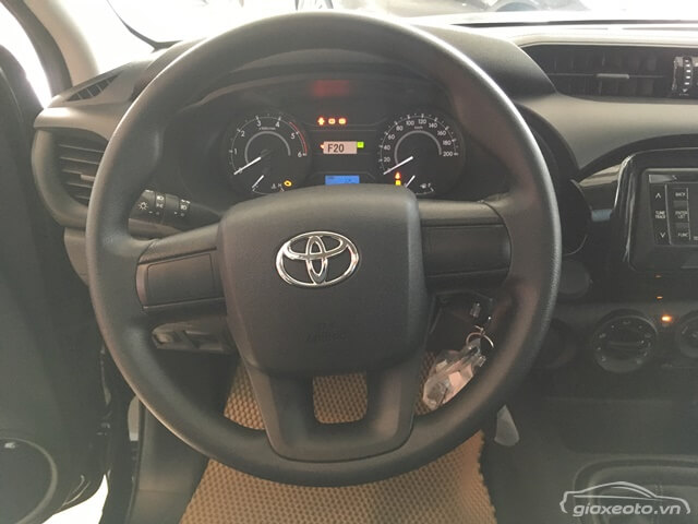 vo-lang-toyota-hilux-2_4e-4x2-mt-2018-2019